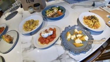 【キュープラザ池袋】スタイリッシュカフェ「EDW(エスプレッソディーワークス)」フルーツ&野菜たっぷりのカラフル料理に注目!名物パンケーキも
