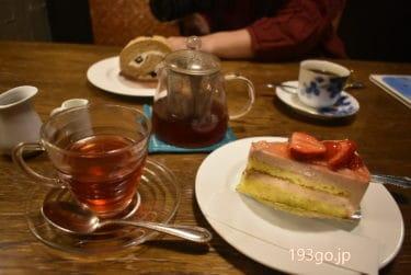 【吉祥寺 カフェ】中道通りで夜カフェ「La cour cafe(ラ・クール・カフェ)」自家製ケーキが揃う